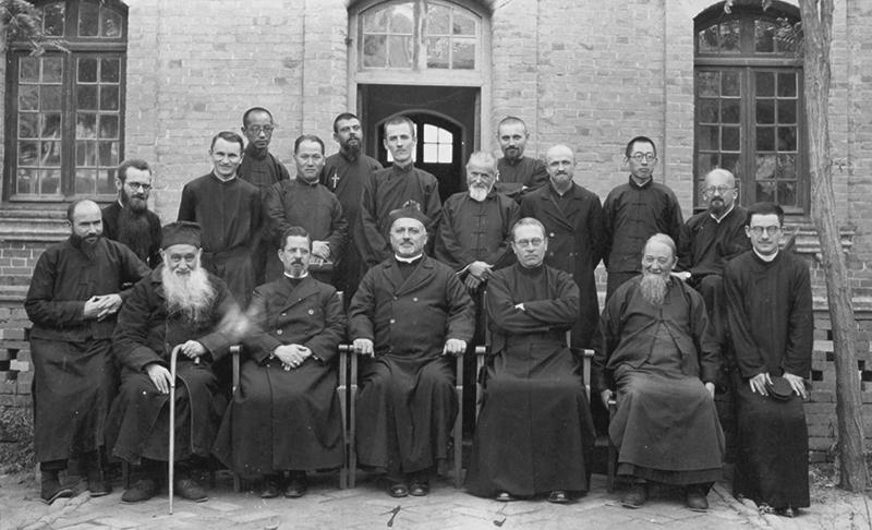 Jezsuita misszionáriusok csoportképe 1939-ből