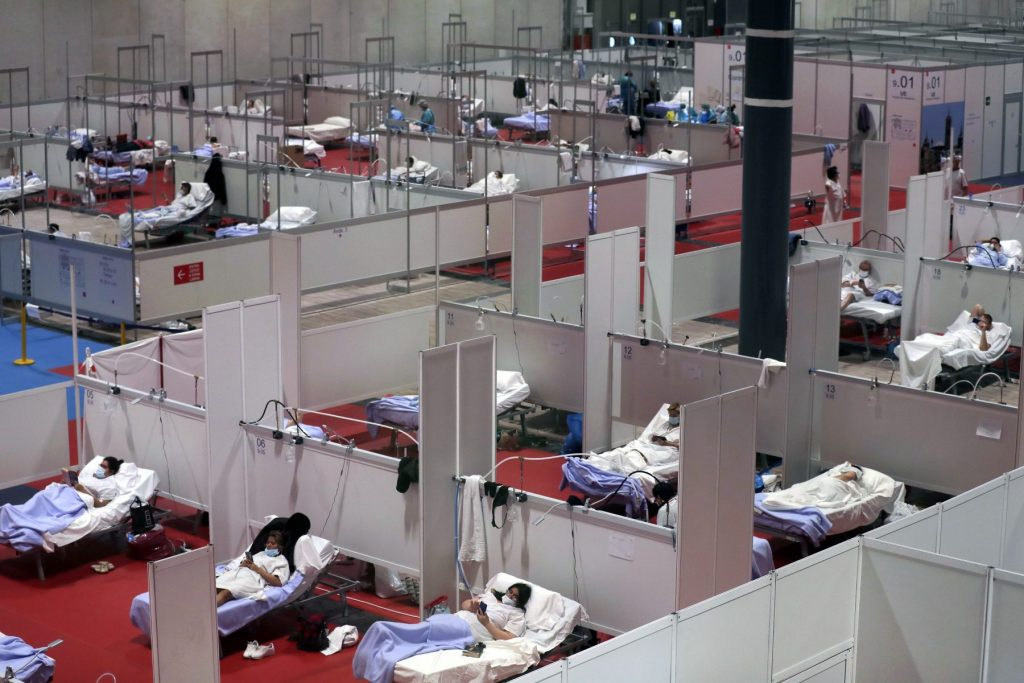 A koronavírus miatt kialakított szükségkórház Spanyolországban